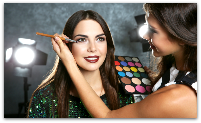 Learn makeup with an online makeup academy