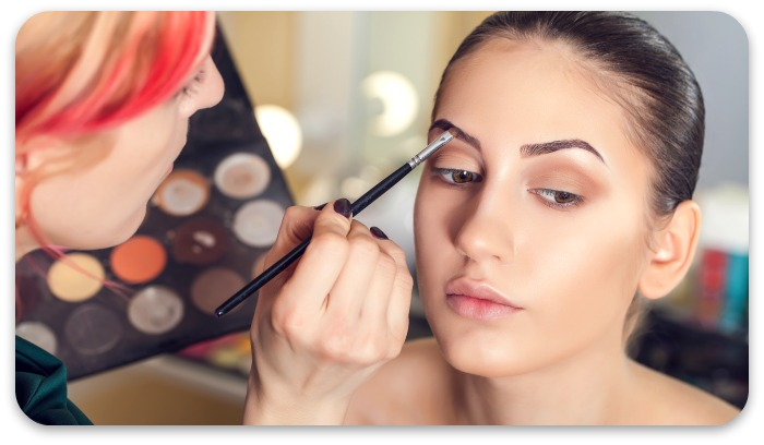 How to learn makeup artistry in online courses
