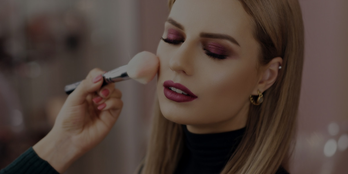 4 Ways Makeup Affects Your Skin