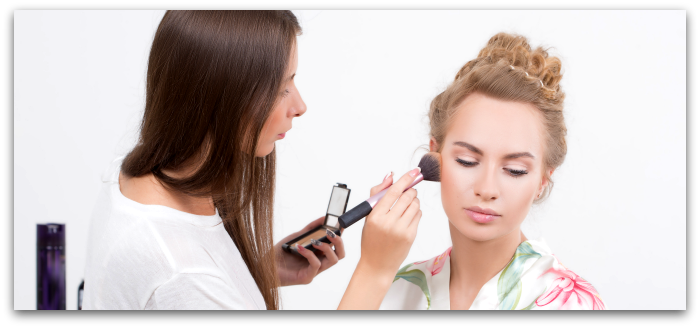 How to learn makeup with an online makeup artistry school