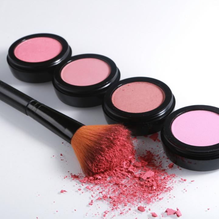 sanitizing makeup brushes