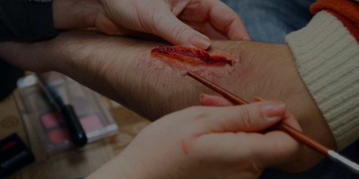 Special Effects Makeup Sneak Peek: Scratch Lesson