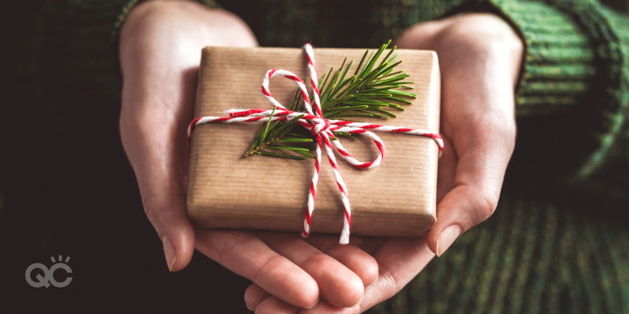 send your clients a small christmas gift from your makeup artistry business