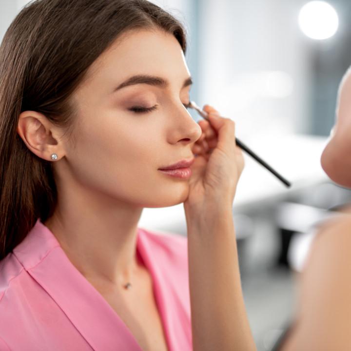 freelance makeup artistry jobs
