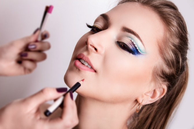 Creative portfolio ideas to build your makeup artist portfolio
