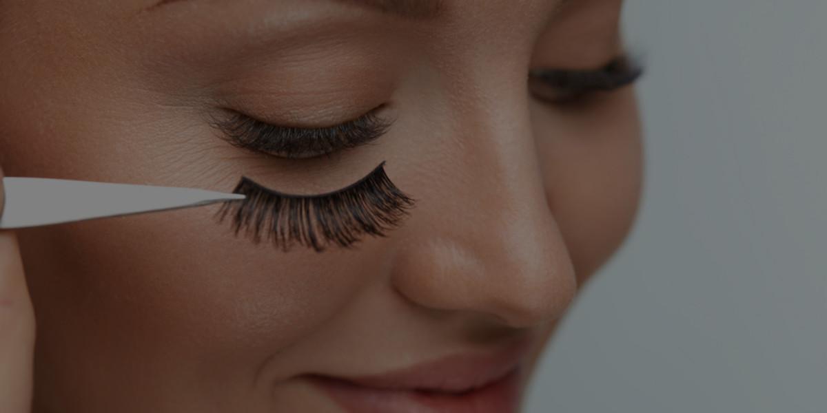 How to Apply False Eyelashes Like a Pro