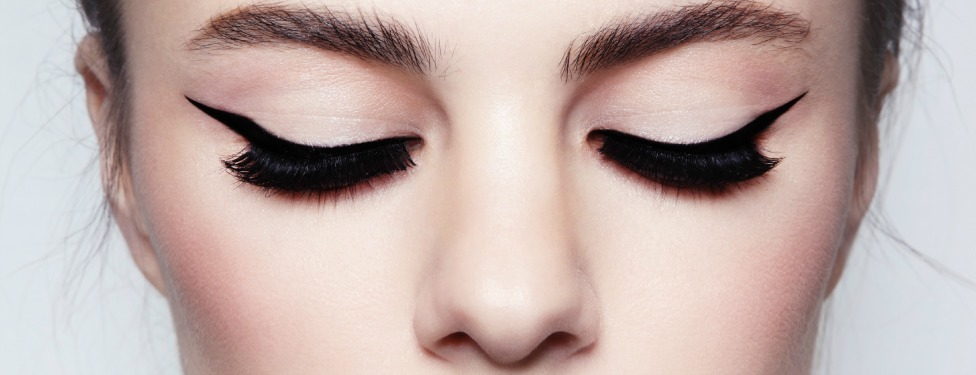 A Step-by-Step Guide to Winged Liquid Liner
