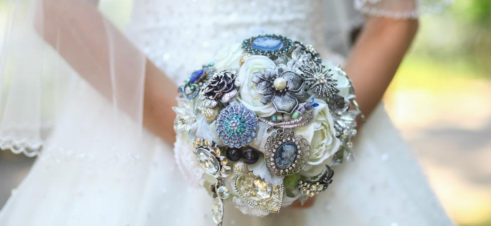 VIDEO: A Bridal Makeup Tutorial