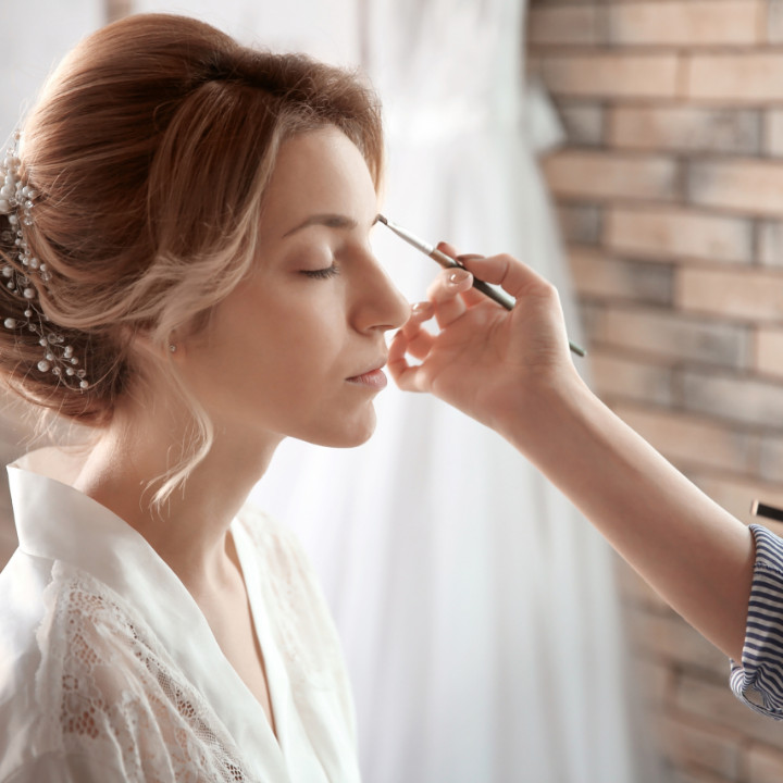 how to price your makeup services for a makeup artistry professional