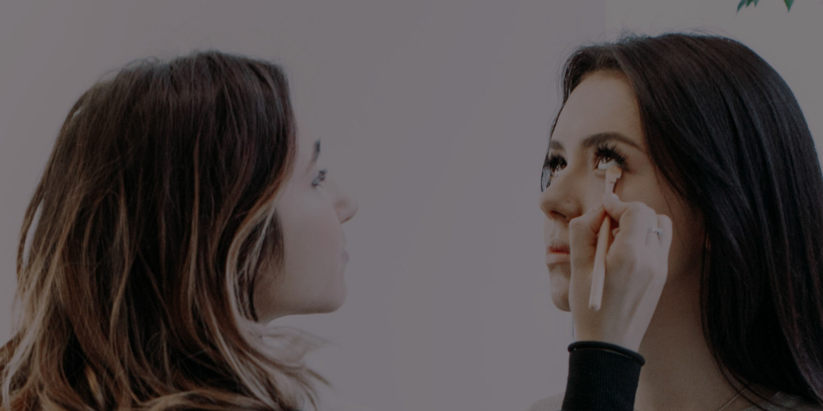 How to Conduct your First Makeup Client Consultation