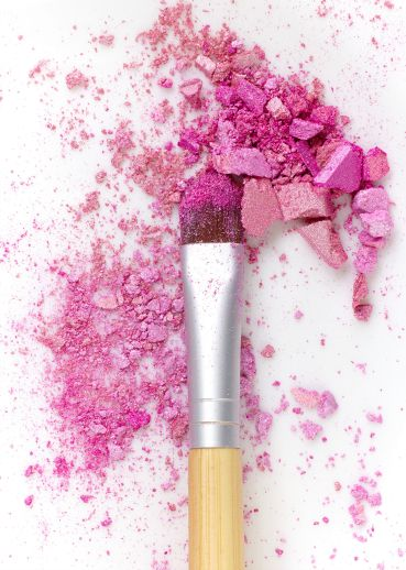 Crushed makeup with brush