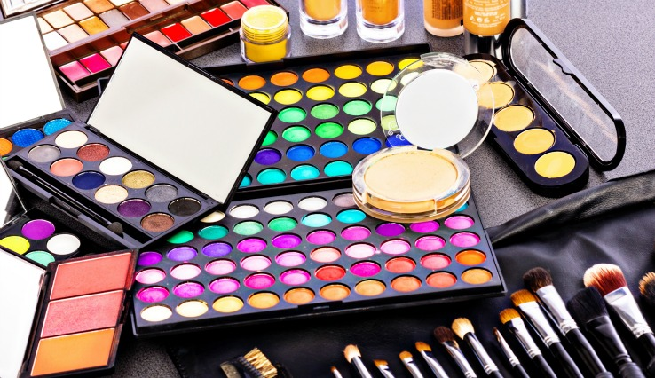 tips and guide on make up artistry as a career Veterans career resource guide  fashion designer resume samples, tips,  you may also be called on to plan marketing or go to trade shows to build up the.