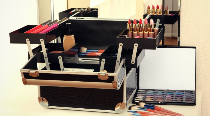 Makeup Blog Professional Makeup Artist Studio Supplies- Career as a makeup artist tools