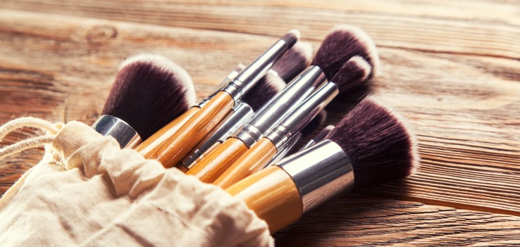 Makeup Blog Professional Makeup Artst Products You Don't want to Skimp On- Makeup Brushes