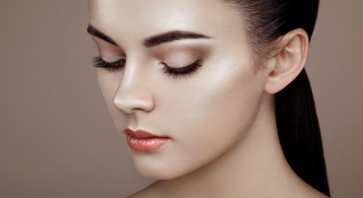 Makeup Blog Strobing- Learning Makeup Strobing technique