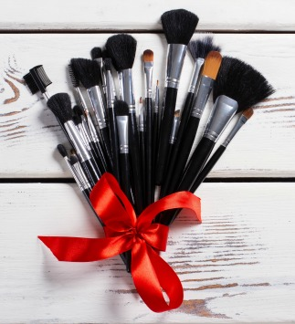 Brushes gift ideas for makeup artists