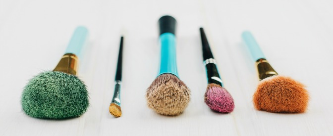 Cleaning brushes makeup sanitation routine