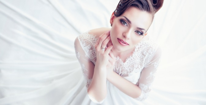 Beautiful bride with pretty bridal makeup