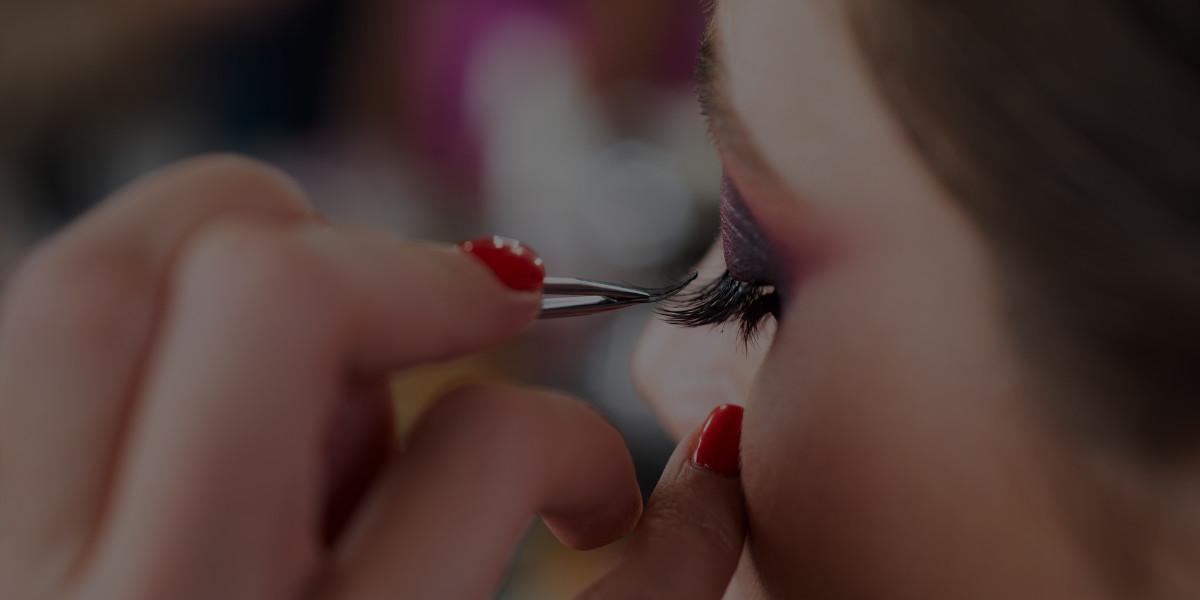 Career Profile: The Freelance Makeup Artist