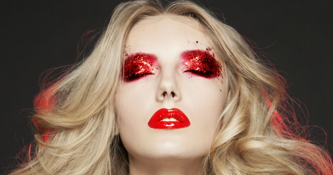 Red eye glitter