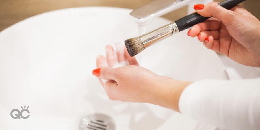 professional makeup kit washing brushes