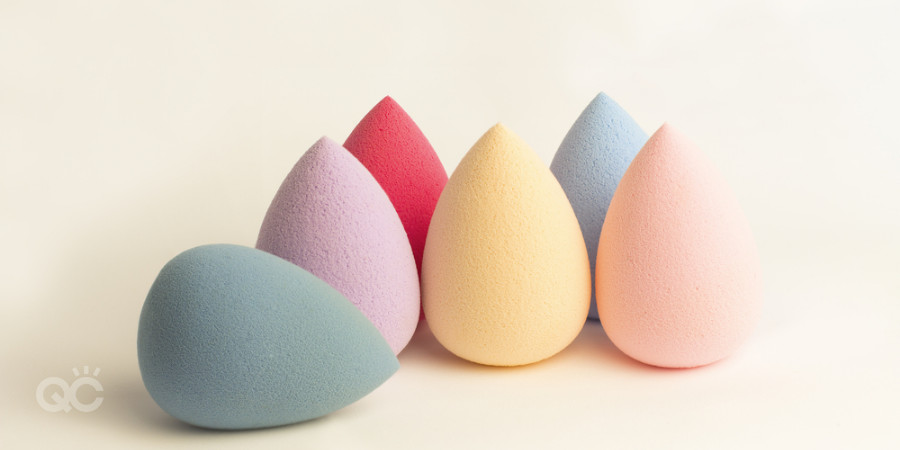 cleaning makeup tools in makeup kit beauty blenders