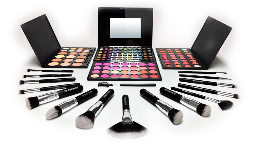 Free Makeup Photos Style Guru Fashion Glitz Glamour