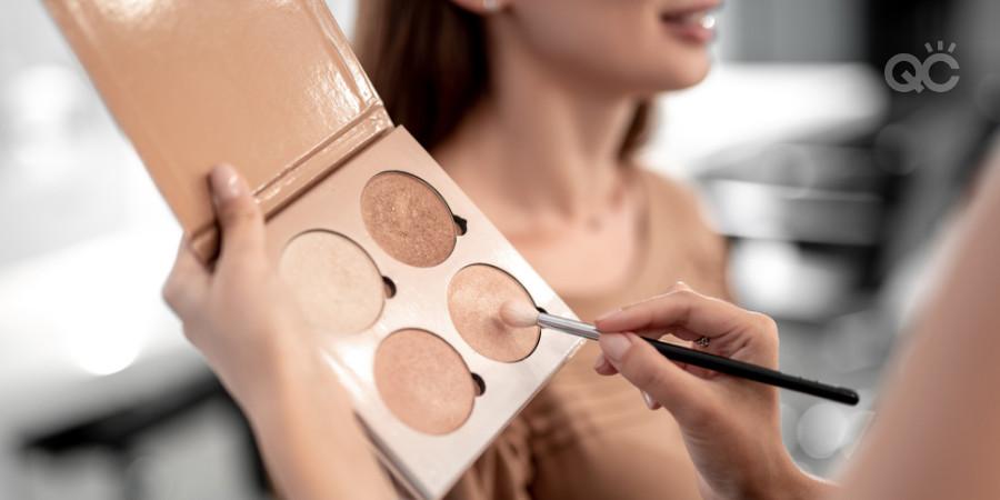 highlight palette for makeup jobs