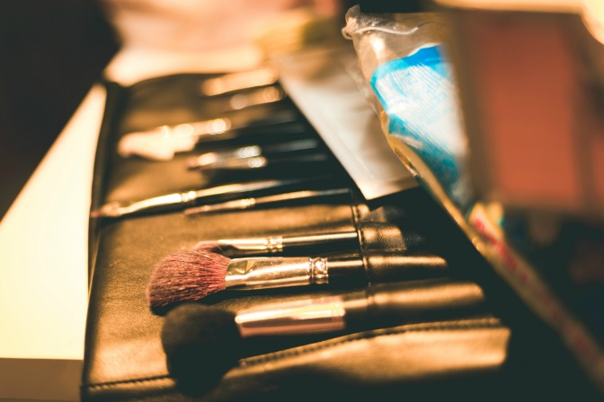 Makeup artist prepare makeup kit before meeting client