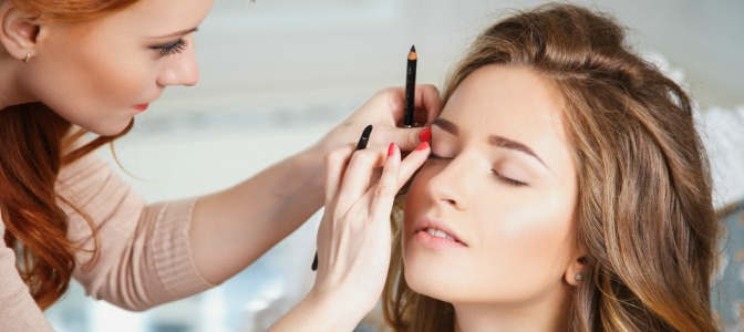 Learn to balance your day job and a successful career as a makeup artist