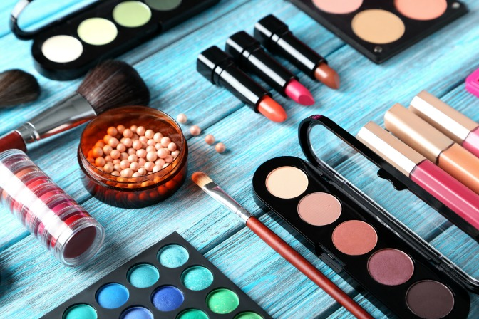 how to build your own custom makeup palette for makeup artistry