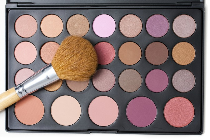 Create your own eye shadow palettes
