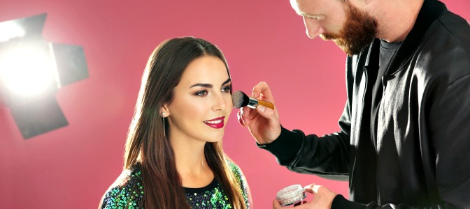 Start a successful career in makeup aritstry with makeup courses online