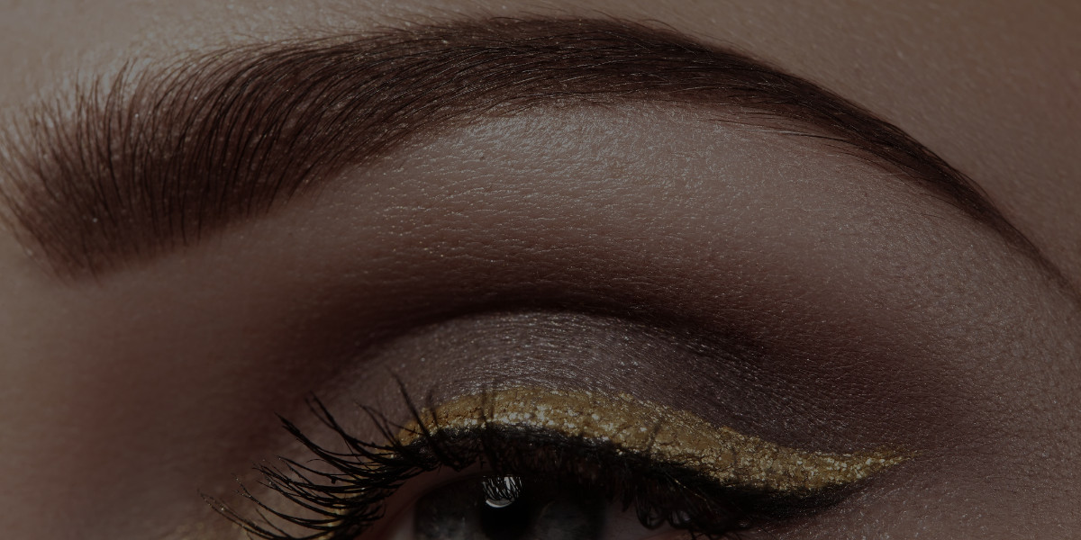 Perfecting Your Brows Tutorial with Stephanie Wyatt