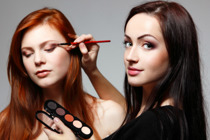 Find models as a makeup artist!
