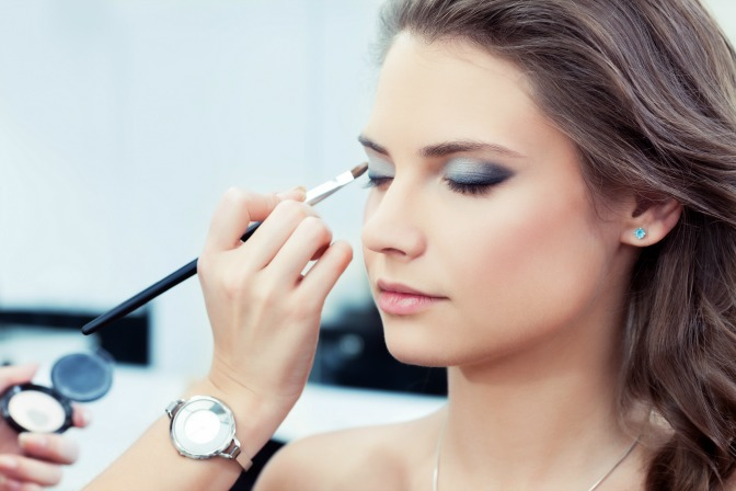 Become a better makeup artist with training and online makeup courses