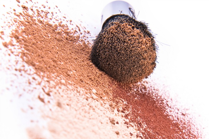 Which mineral makeup should you have in your makeup artistry kit?