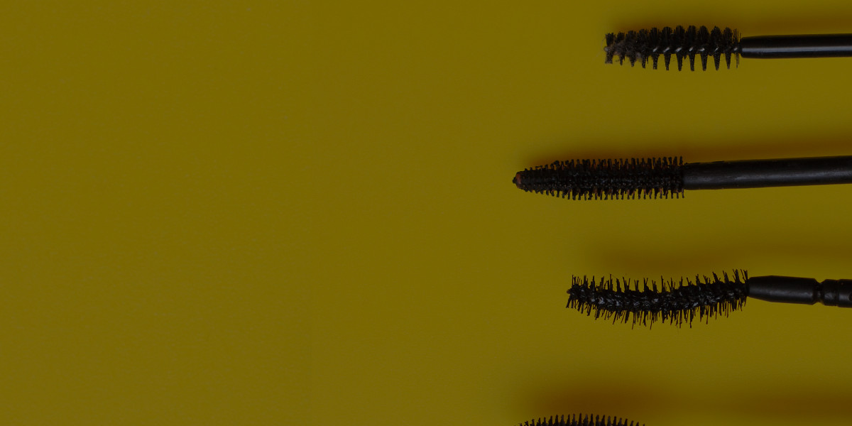 The Beginner's Guide to Choosing the Best Mascara Wand