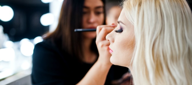Becoming a makeup artist with professional makeup training