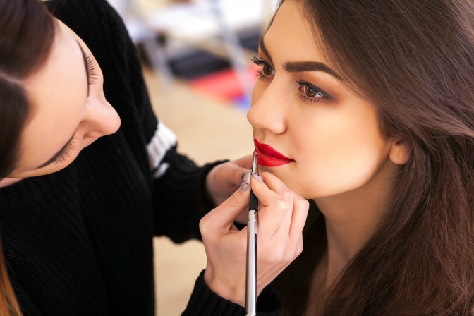 How to learn makeup as a hard of hearing student