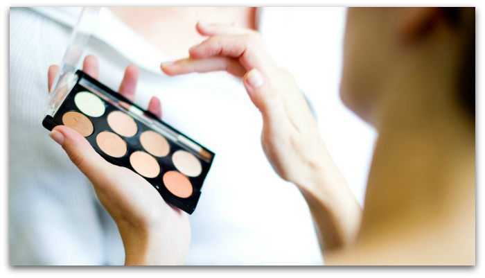 How to become a makeup artist with online makeup training from QC