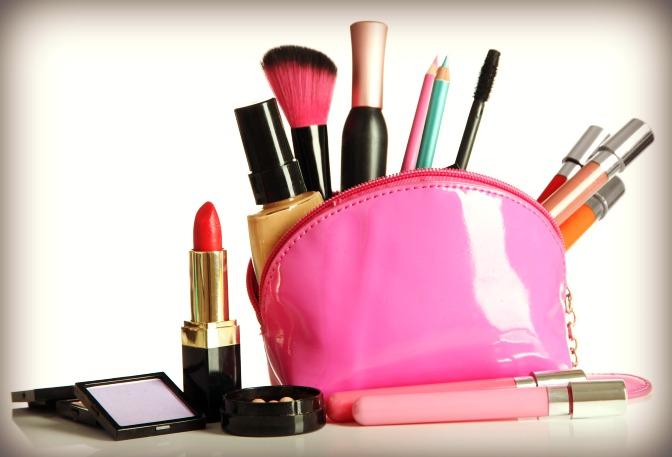 How to get makeup discounts as a QC Makeup Academy student