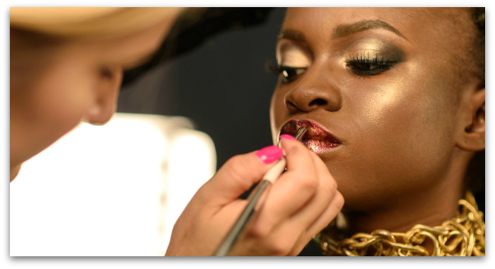 Start a career in makeup artistry with QCs online makeup training courses