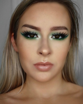 Makeup artist online course and certification