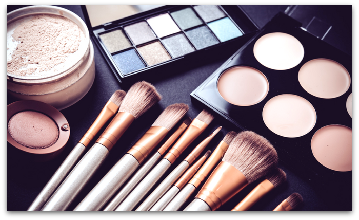 Free makeup starter kit for QC's online makeup courses