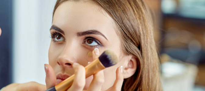 How to get hands-on makeup training at home and online