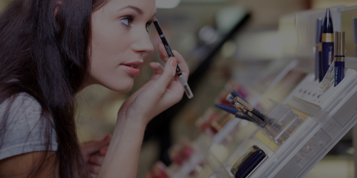 Pros & Cons: Quit Your Day Job to Be a Makeup Artist