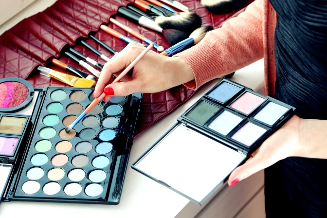 Palettes for special effects makeup applications