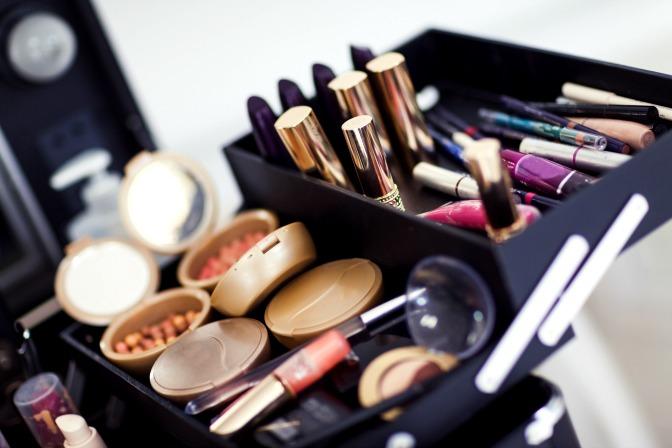 Budget makeup artistry kit