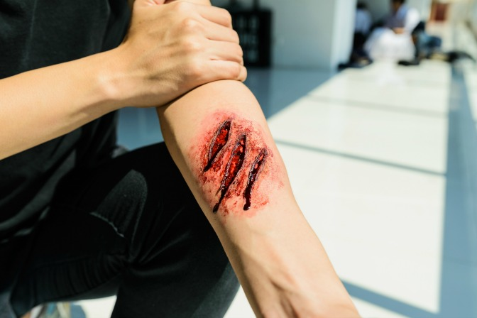 SFX Makeup Artist fake wound